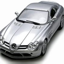 1:18th Premiere Edition – Mercedes Benz SLR McLaren (Colours May Vary)