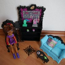 (1, classic) – Monster High Coffin Bean and Clawdeen Wolf Doll Playset
